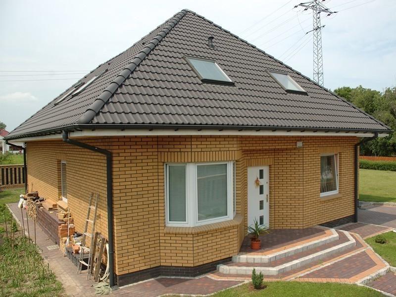 Одноэтажный кирпичный дом