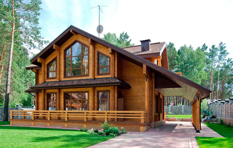 Облицовка фасада дома из дерева